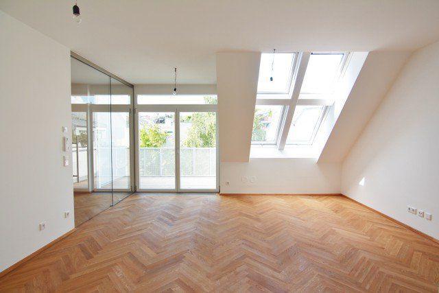 stilvolles wohnen in der n he des t rkenschanzparks wohnkonzept. Black Bedroom Furniture Sets. Home Design Ideas